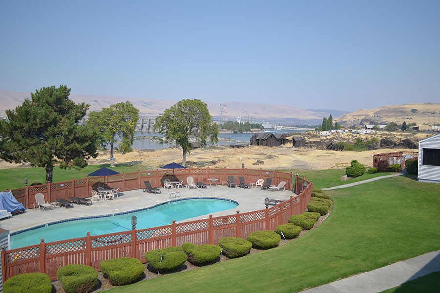aerial view of back exteior grounds at pool at Shilo Inns The Dalles